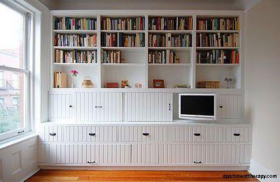 amenajare living_alb_TV biblioteca